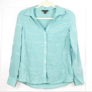 Tommy Bahama blue button down top